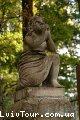 Одна из самых старых скульптур Лычаковского кладбища