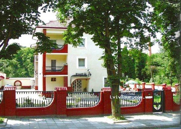 Невеликий затишний готель «Еней» знаходиться в тихій частині старовинного  Львова 61158247deca0